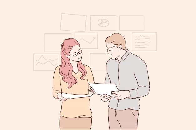 Jovens empresários conduzem análise, estratégia de desenvolvimento, melhoria juntos.