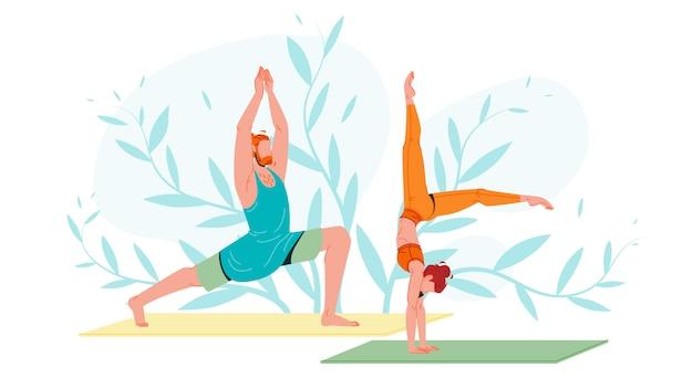 Jovens no sportswear praticando ioga