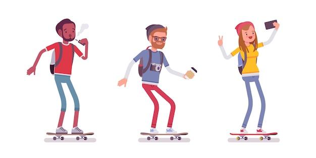 Jovens patinadores desportivos