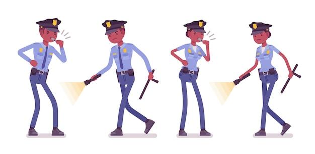 Jovens policiais negros investigando