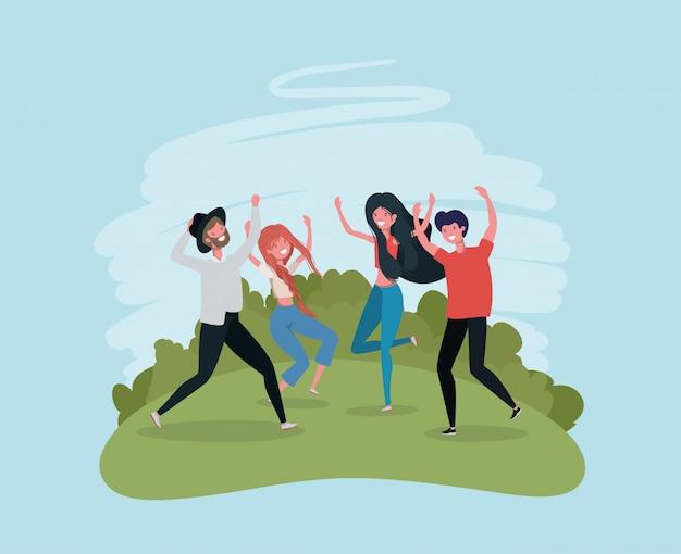 Jovens pulando comemorando nos personagens do parque
