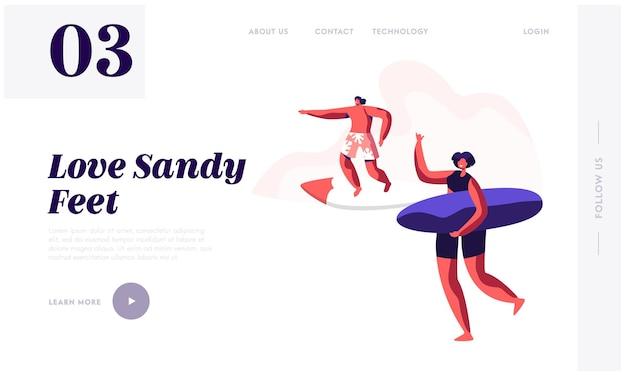 Jovens surfistas surfando a onda do mar na prancha de surf e relaxando na praia de verão. modelo de página de destino do site