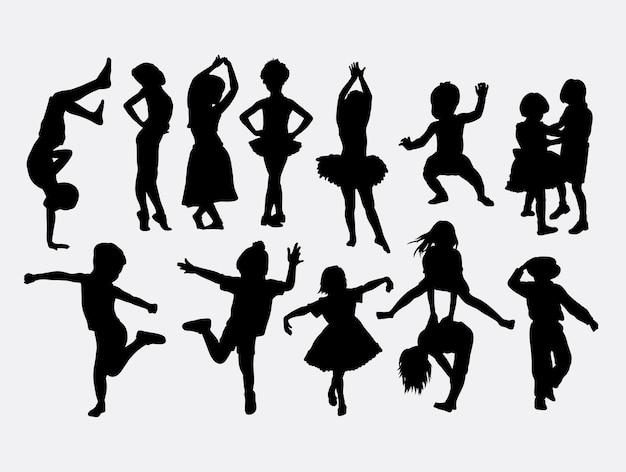 Kid dancing pose silhueta