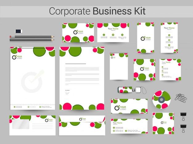 Kit empresarial corporativo com círculos verdes e rosa.