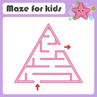 Labirinto de triângulo desenhado de mão para crianças