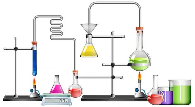 Laboratório de ciências com muitos equipamentos