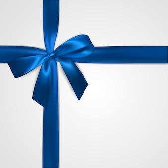 Laço azul realista com fitas isoladas em branco