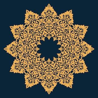 Laço redondo decorativo com elementos de damasco e arabescos.