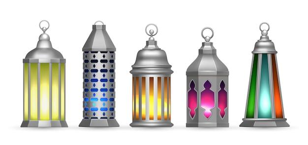 Lâmpadas árabes de prata realistas. lanternas orientais coloridas, luzes decorativas islâmicas isoladas Vetor Premium