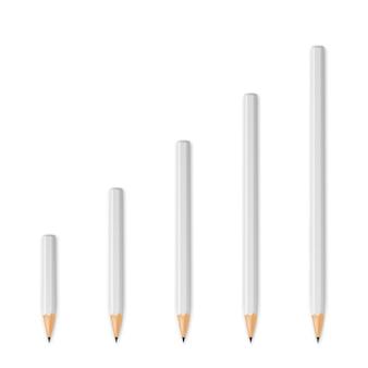 Lápis afiados de madeira brancos
