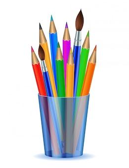 Lápis e pincéis coloridos no suporte.