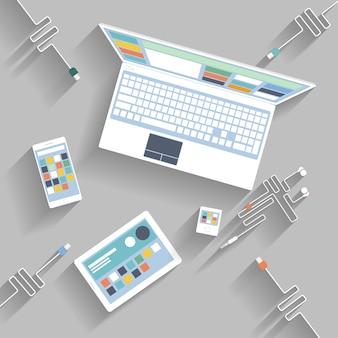 Laptop, tablet digital, smartphone com cabos usb prontos para conexão e trabalho
