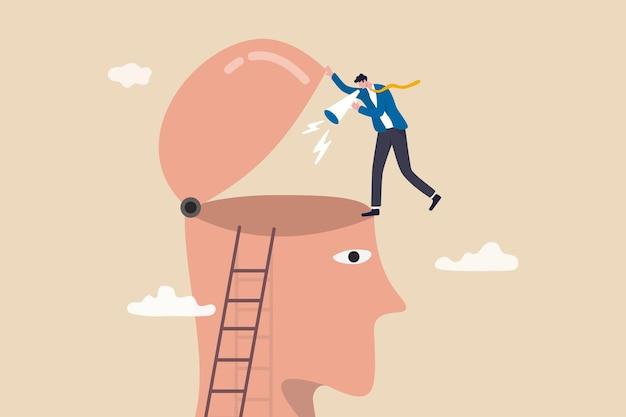 Lavagem cerebral, fazer alguém acreditar, mensagem publicitária agressiva ou repetitiva, consciência, motivação ou conceito de comunicação, empresário furioso gritando no megafone com voz alta para abrir a cabeça