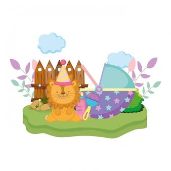 Leão bonitinho e pequeno com chapéu de festa