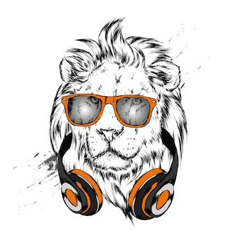 Leão lindo em fones de ouvido