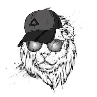 Leão lindo em um boné e óculos.