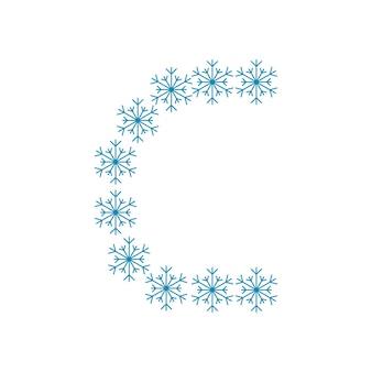 Letra c de flocos de neve. fonte ou decoração festiva para o ano novo e o natal