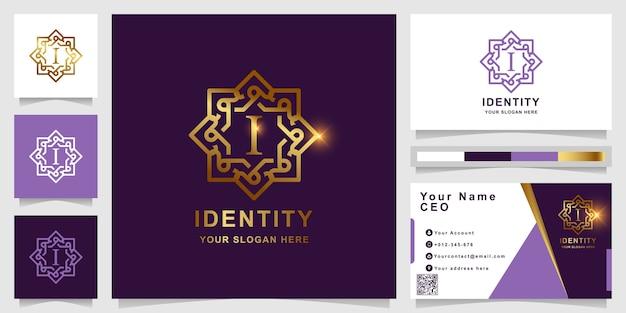 Letra i modelo de logotipo dourado ornamento de luxo com design de cartão.