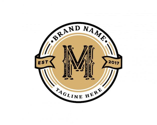 Letra inicial criativa m retrô vintage hipster e grunge vector design de logotipo