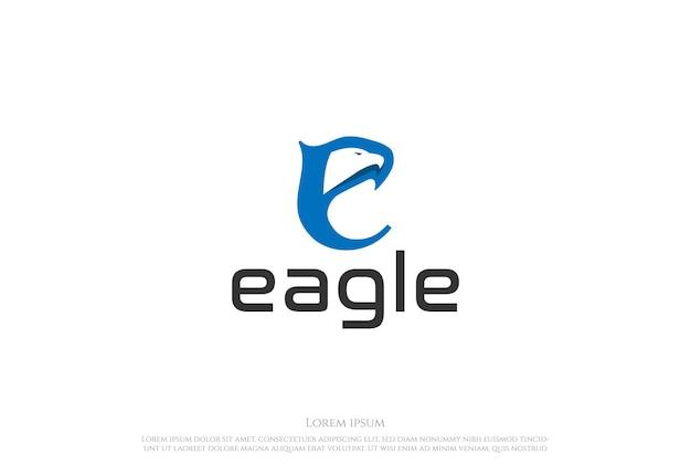 Letra inicial e para vetor de design de logotipo eagle hawk falcon