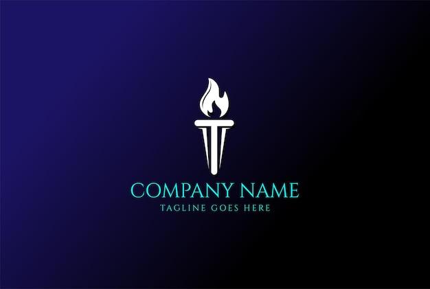 Letra inicial t tocha ardente chama de fogo com vetor de design de logotipo de coluna de pilar