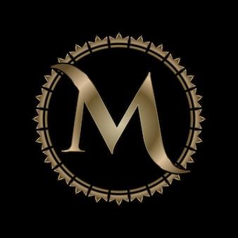 Letra m inicial com efeito dourado e coroa real