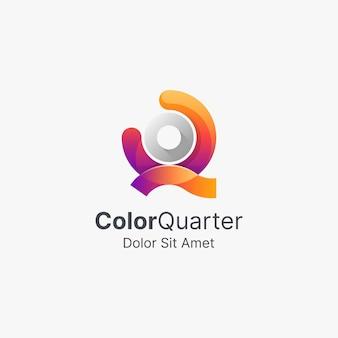 Letra q colorida com logotipo gradiente