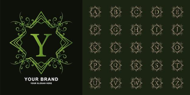 Letra y ou alfabeto inicial de coleção com modelo de logotipo dourado moldura floral ornamento de luxo.