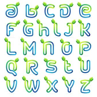 Letras de eco conjunto com folhas verdes e as ondas de água.