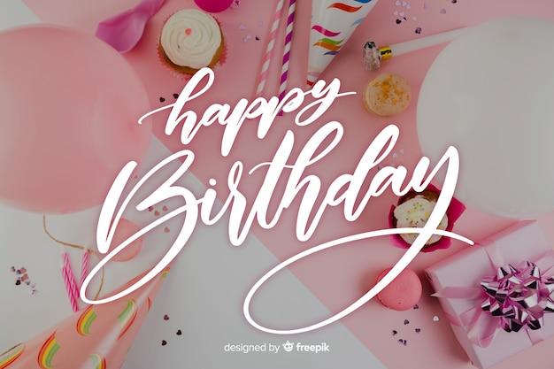 Letras de feliz aniversário com balões
