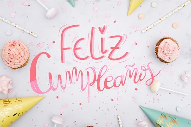 Letras de feliz aniversário com muffins