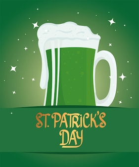 Letras de feliz dia de são patrício com ilustração de cerveja verde