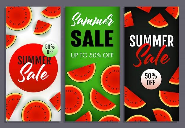 Letras de venda de verão conjunto com fatias de melancia