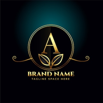 Letter a conceito de logotipo de luxo com folhas douradas