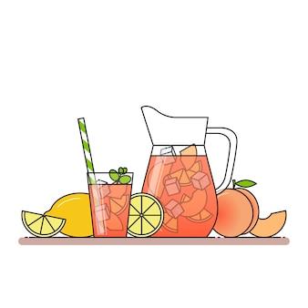 Limonada de pêssego com fatias de frutas, gelo e hortelã no jarro e copo com palha