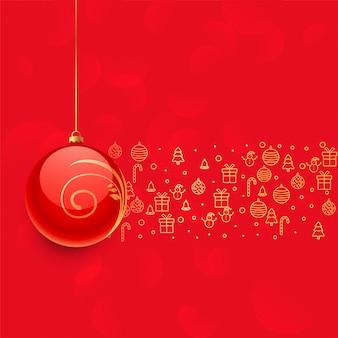 Linda bola de natal vermelha e outra decoração de elementos