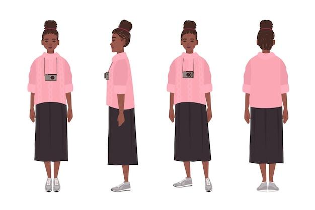 Linda garota afro-americana vestida de blusão e saia