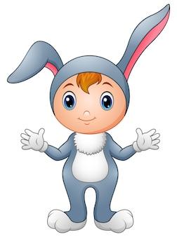 Linda garota na fantasia de coelho