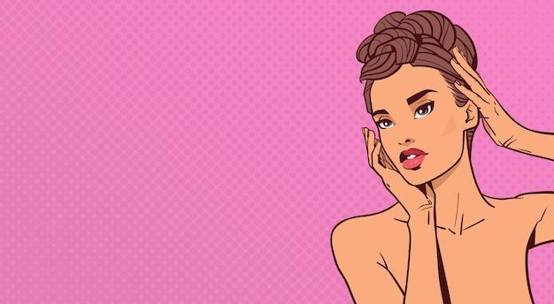 Linda mulher sensual rosto elegante retrato de mulher atraente na arte pop retrô fundo