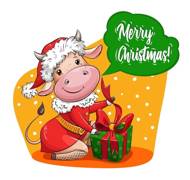 Linda vaca dos desenhos animados em traje de papai noel embala o presente de natal símbolo do ano. personagem de natal.