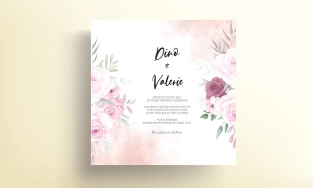 Lindo cartão de casamento com lindas flores macias