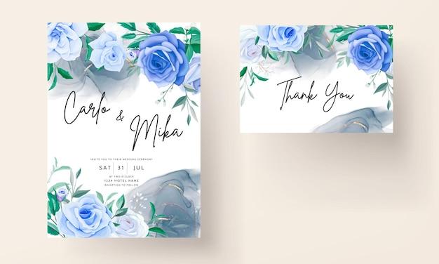 Lindo cartão de convite de casamento floral azul