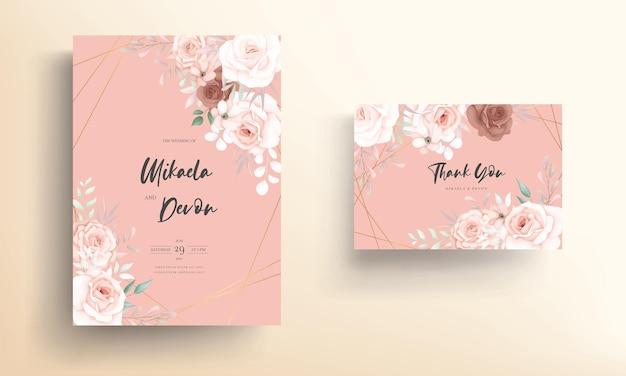 Lindo cartão de convite de casamento floral suave com enfeite de rosa