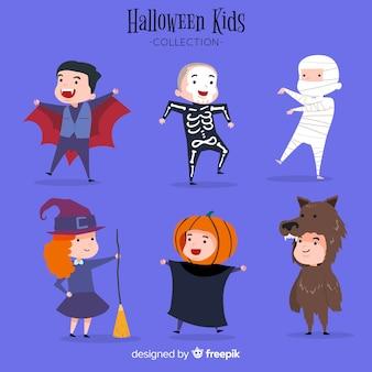 Lindo conjunto de personagens de crianças de halloween
