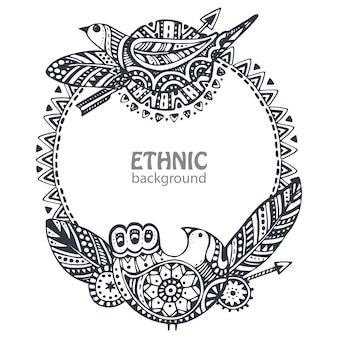 Lindo quadro com mão desenhada elementos étnicos, pássaros, flechas, penas.