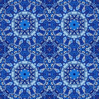 Lindo sem costura padrão decorativo de azulejos orientais azuis, enfeites. arte de mandala de ano novo de inverno.