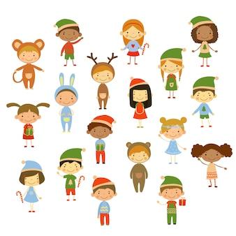 Lindos filhos vestindo trajes de natal