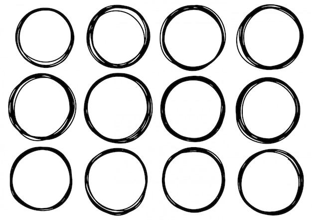 Linhas de mão desenhada rabisco círculo. doodle o logotipo circular do esboço esboçam elementos isolados do fundo sumário branco.