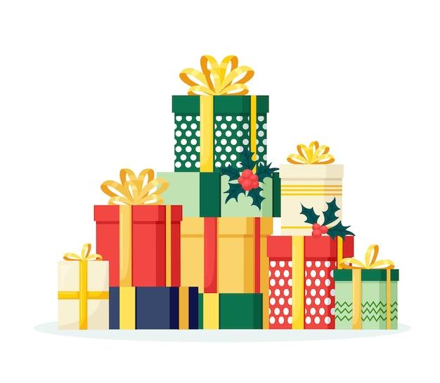 Liquidação de natal. pilha de caixas de presente, presentes com fita, arco, bandeiras festivas isoladas no fundo branco. conceito de compras de natal. surpresa para aniversário, aniversário, casamento, ano novo