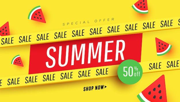 Liquidação de verão com fatias de melancia